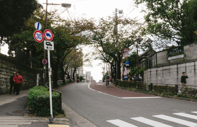 西日暮里駅周辺で評判の占いスポットはどこ?東京都の最新占い情報